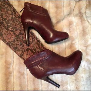 JESSICA SIMPSON brown booties